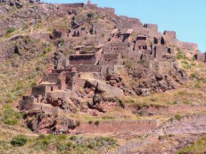 On the trail to the Písac Inca Ruins, Písac, Cusco.
