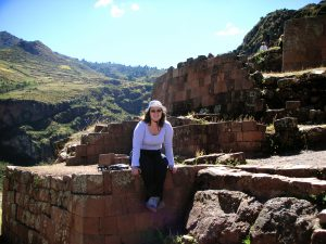 Sra. Schwarz at the Písac Inca Ruins in Cusco.