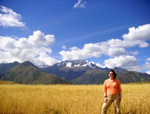 Sra. Schwarz in the Peruvian highlands between Maras and Moray, Cusco. We stopped here for a picnic lunch.
